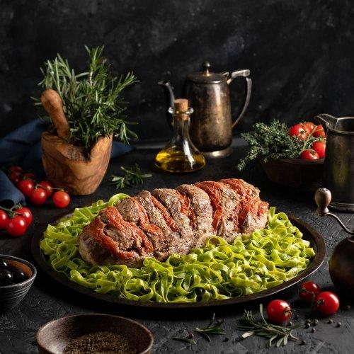 Мясной рулет по - итальянски