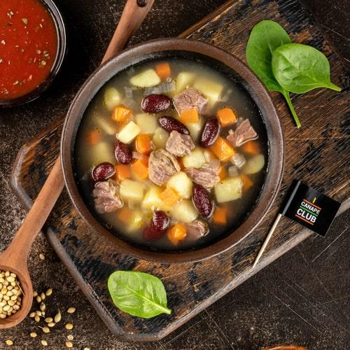 Суп из красной фасоли с говядиной