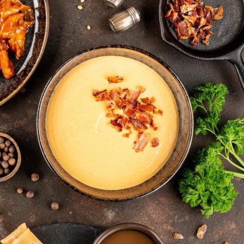 Морковный крем-суп с беконом