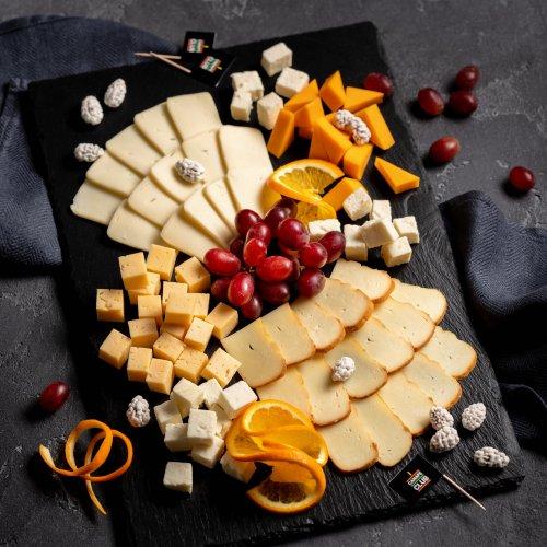 Тарелка сырной гастрономии