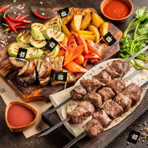 Шашлык из говядины с овощами гриль