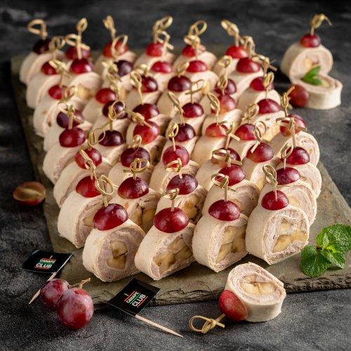 Сладкие роллы с бананом и шоколадным кремом