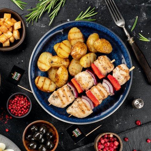 Куриные брошеты с запеченным мини картофелем