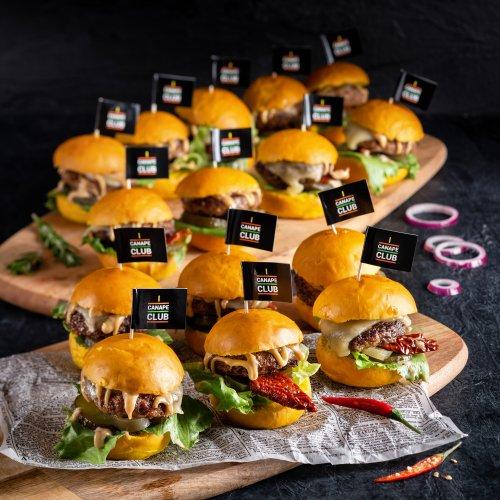Мини бургеры с говядиной и халапеньо Кинг Сайз